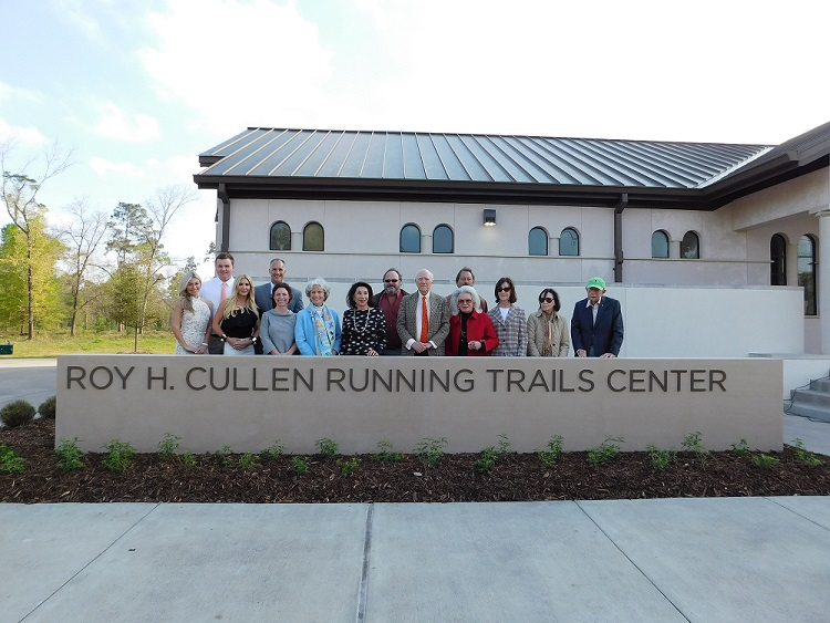 The Cullen Family at the Memorial Park Running Trails Center Renaming Ceremony Courtesy of Memorial Park Conservancy
